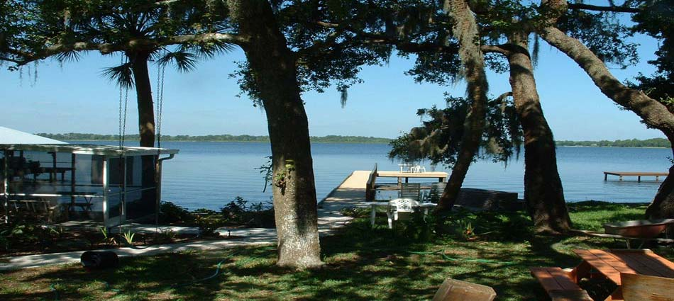 Loon Cottage: slideshow photograph 1